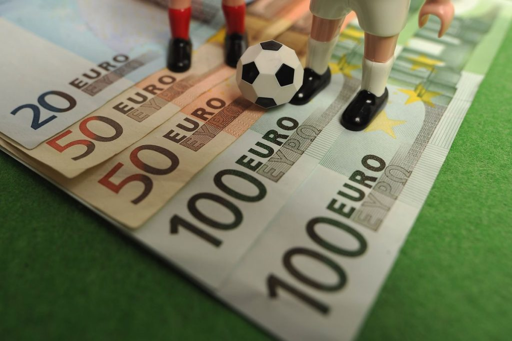 What Should You Look Into In Online Football Betting?